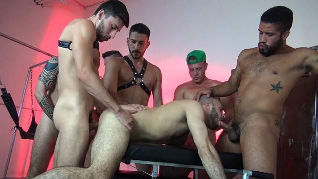 machos se comendo