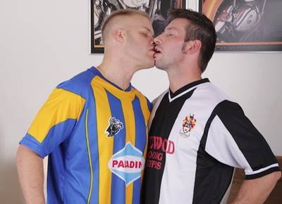 Sexo Com Jogadores De Futebol Gay Numa Deliciosa Trepada