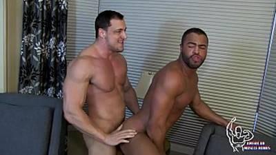 Gays Musculosos Fazendo Um Sexo Bem Gostoso